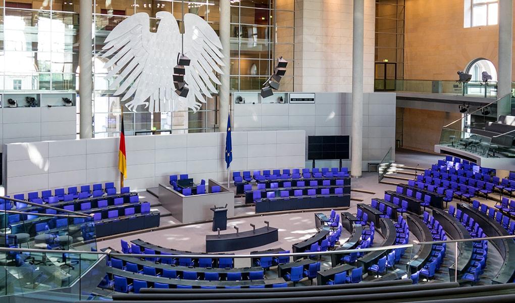 Im Bundestag könnten aufgrund des Wahlrechts nach der Bundestagswahl mehr als 700 Abgeordnete sitzen. Soll dies durch eine Wahlrechtsreform verhindert werden?