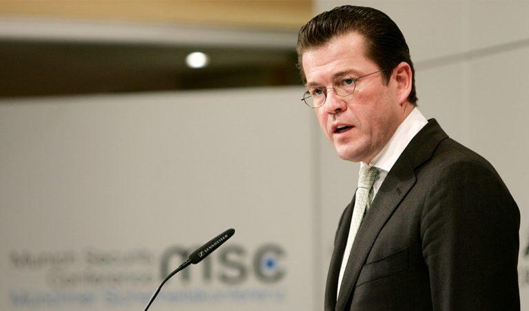 Soll Karl-Theodor zu Guttenberg in Zukunft politisch eine wichtige Rolle spielen?
