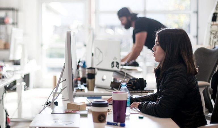 Sollen Frauen und Männer per Gesetz für gleiche Arbeit gleich entlohnt werden?