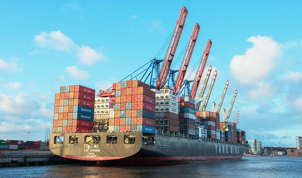 Bringt der internationale Freihandel der deutschen Wirtschaft eher mehr Schaden oder mehr Nutzen?