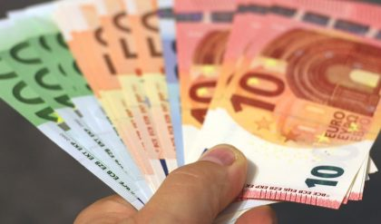 """Wie bewerten Sie den SPD-Vorschlag, jedem Erwerbstätigen ab 18 ein """"Startguthaben"""" von 5000 Euro vom Staat zu geben?"""
