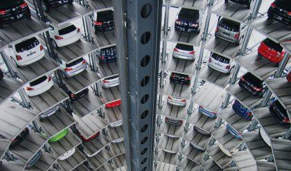 Denken Sie, die Skandale der Autohersteller gefährden den Wirtschaftsstandort Deutschland?