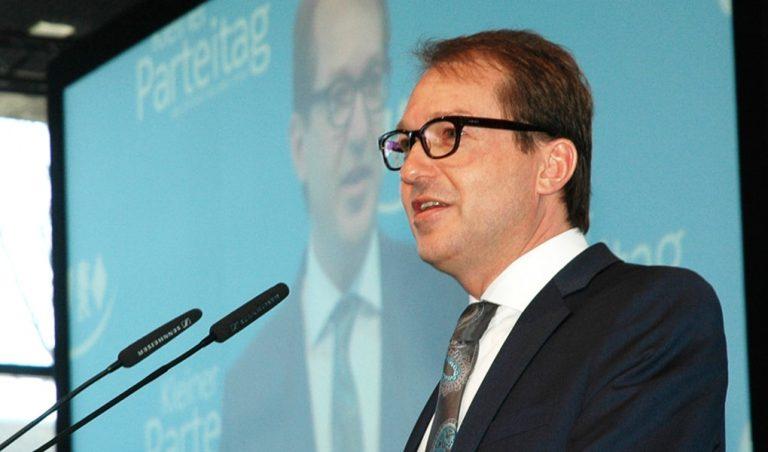 Hat Verkehrsminister Dobrindt Ihrer Meinung nach bei der Regulierung der Automobilindustrie versagt?